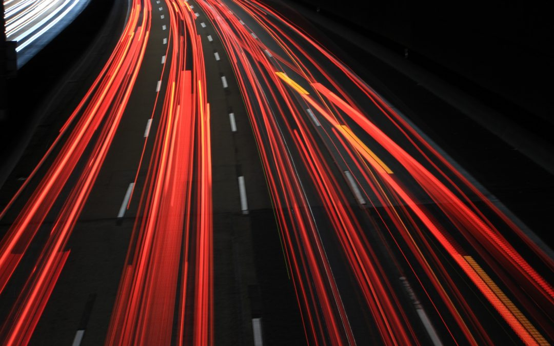 Ubezpieczenia: wypadek na przejściu dla pieszych – kto i na jakiej zasadzie może dochodzić zadośćuczynienia
