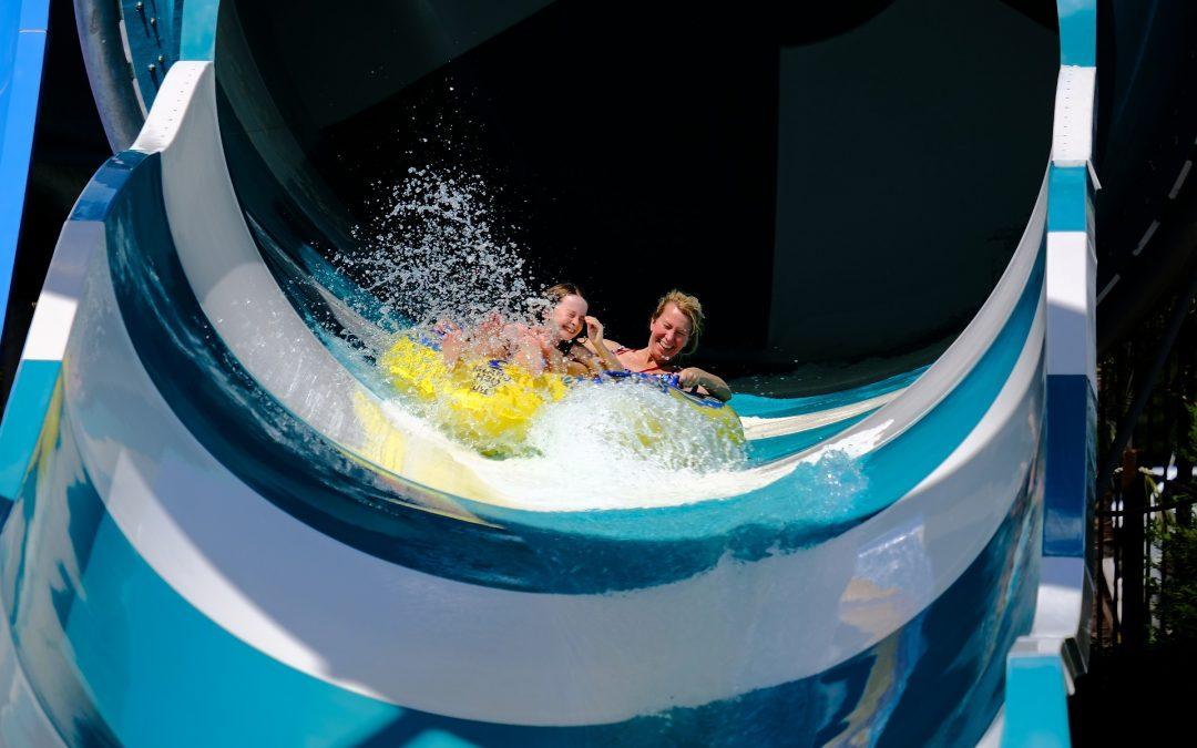 Ubezpieczenia –  wypadek na wakacjach w aquaparku – od kogo dochodzić odszkodowania